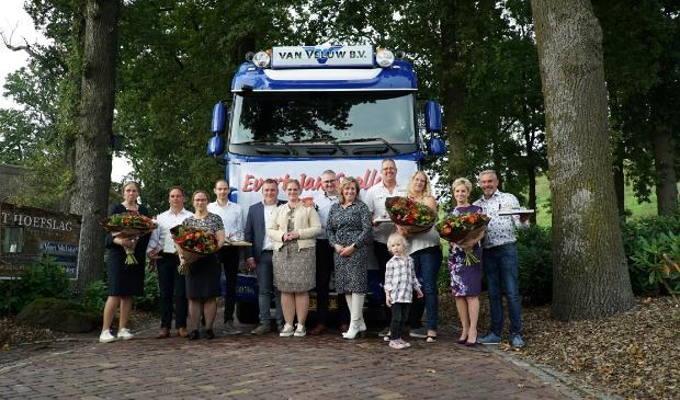 v.l.n.r. Marjan en Evert, Thea en Evert-Jan, Renger en Jolanda (dir. van Veluw) Dirk-Jan en Frederique (dir. van Veluw) Patrick, Lana en Fillepien, Gerda en Wouter