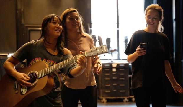 <p>Het trio Kim Pendjol, Lienke Iburg en Elise Doll stonden aan de basis van de productie Rumah Saya.</p>