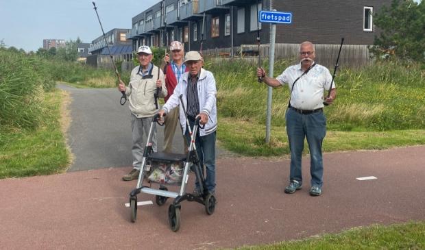<p>Van linksaf: Ton, Bram, Joop en Peter tijdens hun dagelijkse ronde door Getsewoud.</p>