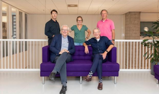 <p><strong><em>Het Vriendenbestuur in de nieuwe samenstelling, met v.l.n.r. Max Remerie, Govert Veldhuijzen, Myra Kleiweg, Job van Niftrik en Wim Bartelts.</em></strong></p>