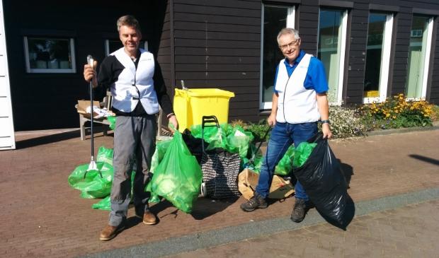 <p>Vorig jaar verwijderden 25 vrijwilligers zwerfvuil in Veenendaal-Oost.</p>