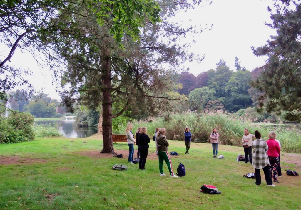 Kennismaking van de groep, 10 vrouwen en 1 man Onno Wijchers © BDU media