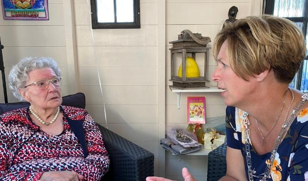 <p>&nbsp;Albertha van de Weerd-van Wagensveld uit Renswoude&nbsp; kreeg bezoek van burgemeester Petra Doornenbal ter ere van haar 101e verjaardag.</p>