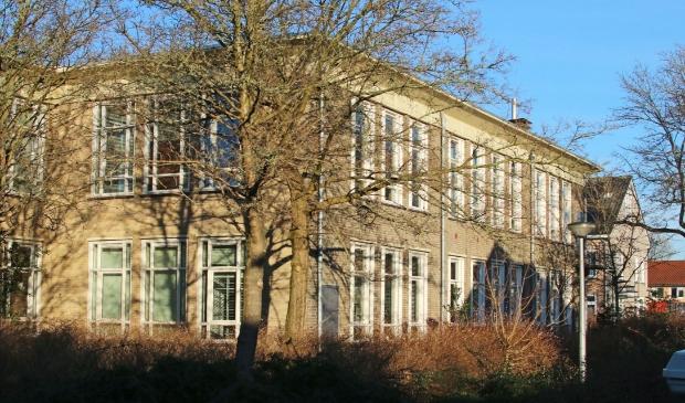 Het ateliergebouw aan de Van Weerden Poelmanlaan.