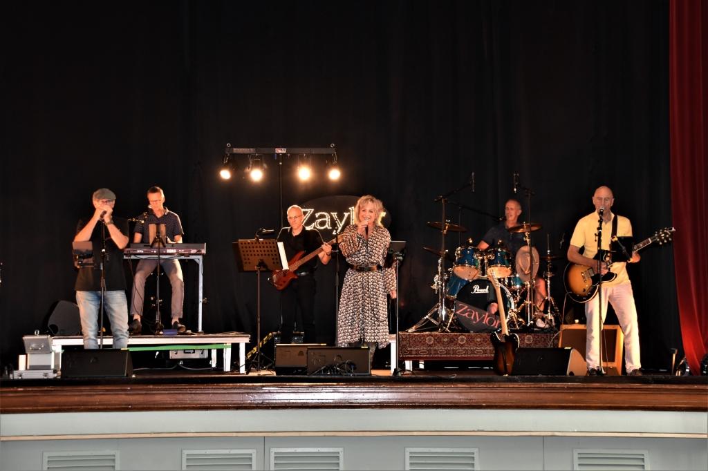 In Soesterberg was Zaylor een van de lokale bands die in het Officierscasino optraden. Eempers © BDU media
