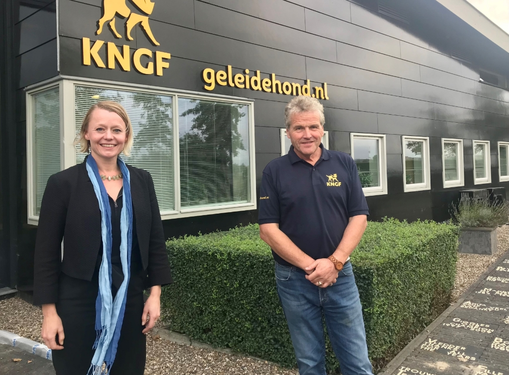 Wethouder Foor Gordon met Kees Tinga (KNGF). Gemeente Amstelveen © BDU media