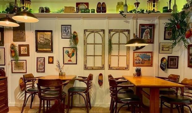 <p>Er komt een restaurant dat een nostalgische sfeer uitstraalt. </p>