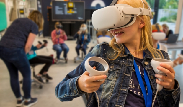 Deelnemer maakt Gravity Sketch met VR-bril