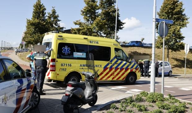 <p>Op de Frans Halslaan reden een auto en een scooter tegen elkaar</p>