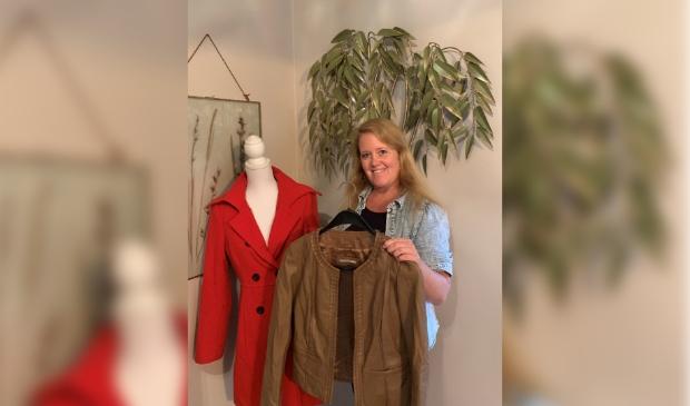 Jennifer Elskamp met te ruilen kleding