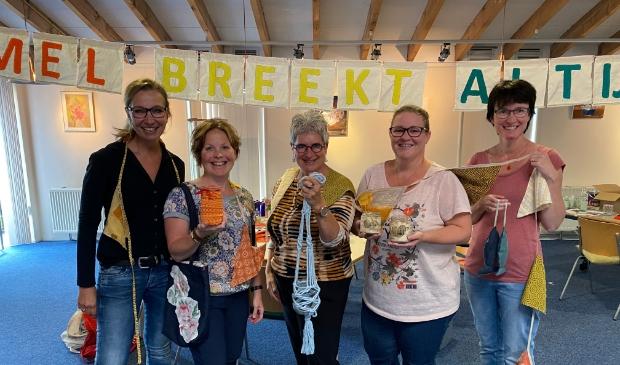 <p>Het startweekendteam, met v.l.n.r. Mieke Keizer, Mary Hogenkamp, Annefieke Prins, Ilse van &rsquo;t Wout en Marja Zwiggelaar.</p>