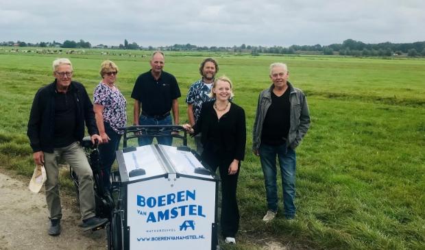 <p>Wethouder Floor Gordon op bezoek bij de Boeren van Amstel.</p>