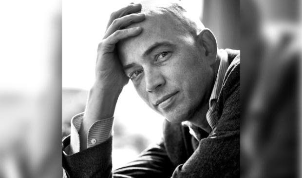 <p>De Nacht van de Literatuur verwelkomt op 18 september drie schrijvers waaronder Tommy Wieringa.&nbsp;</p>