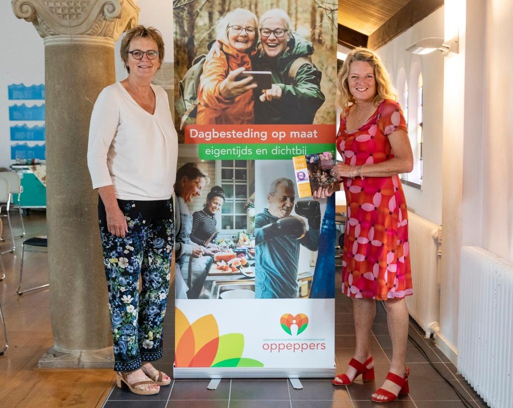 Wethouder Meijs en Annemieke de Vries van Kennemerhart Jurriaan Hoefsmit © BDU media