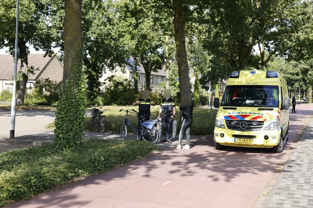 Op de Bovenbuurtweg vond een aanrijding tussen twee fietssters plaats @tedxmedia © BDU Media
