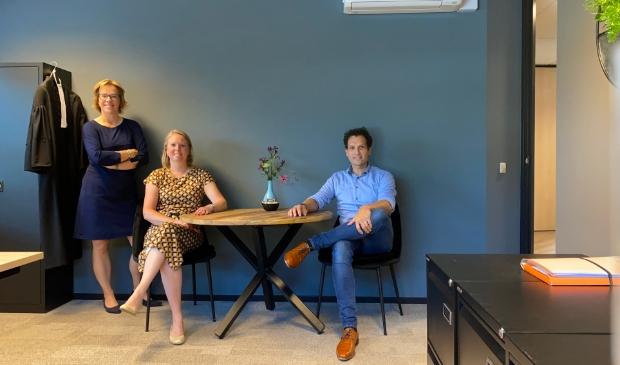 <p>Advocaten Micha&euml;la Wielinga-van Dillen, Andrea Begthel en Marino Vossen.</p>