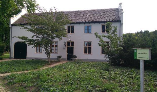 Koetshuis aan de Burgemeester Royaardslaan