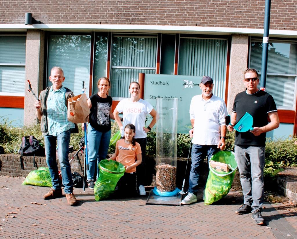Tom, Nora, Irene, Danielle, Johan en Mark van Eemland Schoon. Eemland Schoon © BDU media