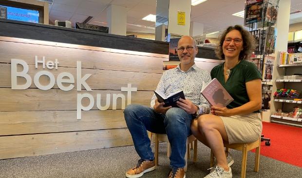 Wouter en Esther de Pater vieren met acties dat Het Boekpunt tien jaar bestaat.