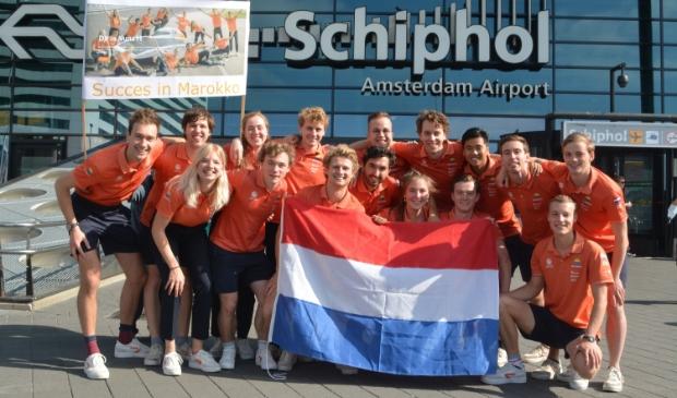 Het Vattenfall Solar Team, vlak voor vertrek richting Marokko.