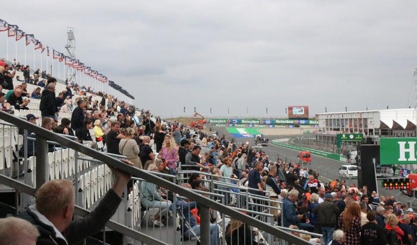 Zandvoorters massaal op bezoek bij het circuit