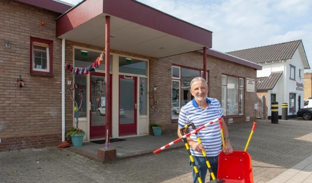 <p>Een dolblije Bert van de Weerd kan niet wachten om de nieuwe plek van de Speelgoedbank in te richten.</p>