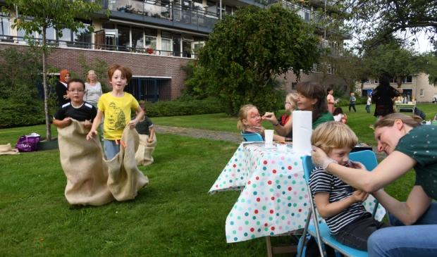 <p>Er werd druk gespeeld tijden de schoonmaak- en spelletjesmiddag in Bilthoven.&nbsp;</p>