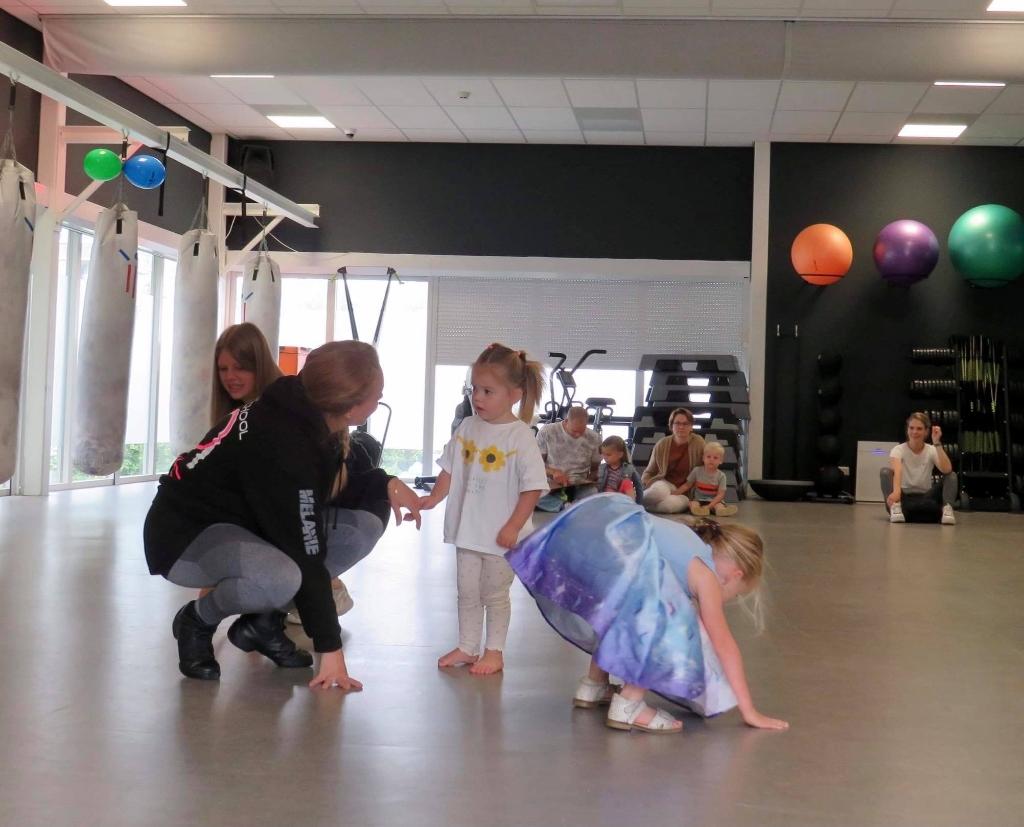 De eerste danspasjes bij M-Beat Onno Wijchers © BDU media