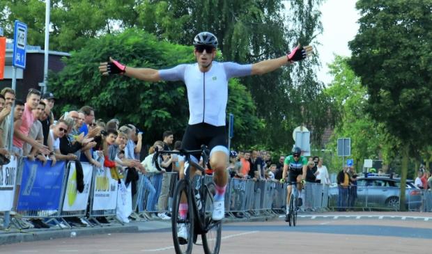 Winnaar Sportklasse Wielerronde Scherpenzeel Jeffrey van der Velden