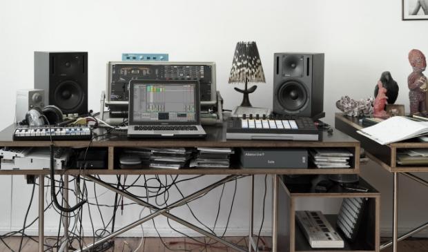 Bij Muziekproductie leer je van een laptop een complete muziekstudio te maken