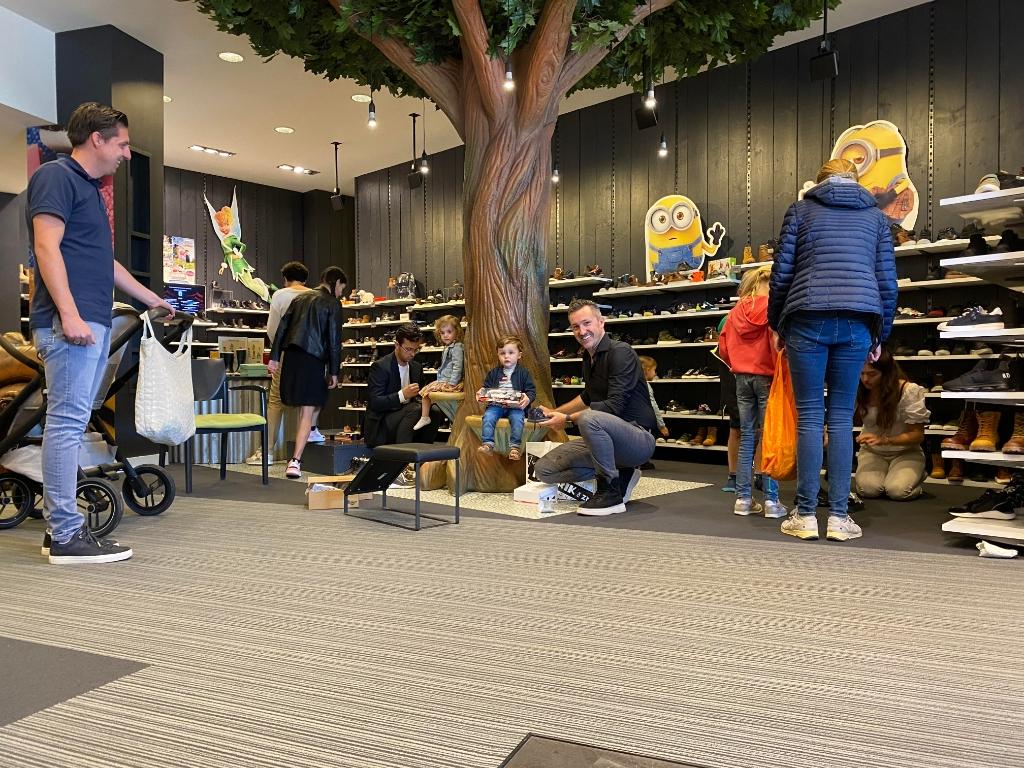Groot assortiment bij Van Mourik Schoenen Van Mourik Schoenen © BDU Media