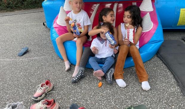 <p>Kinderen konden genieten van de springkussens</p>