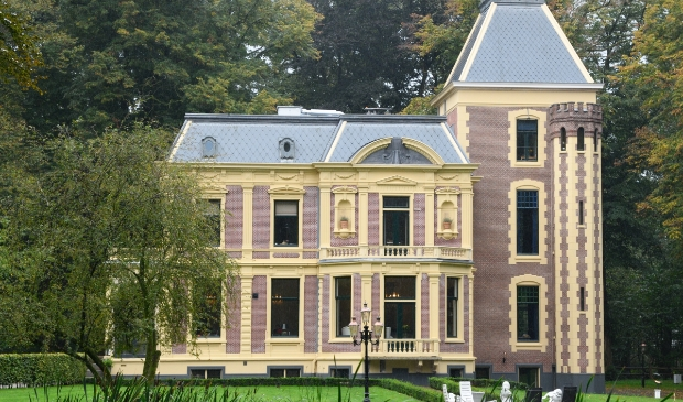 <p>Rhetap Wonen verzorgde de stoffering in het Puttense rijksmonument.</p>