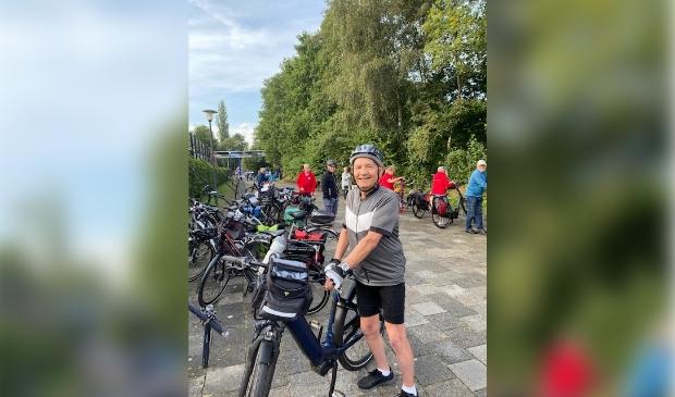 <p>De oudste deelnemer is Herman Lenting uit Ravenstein met 91 jaar. Hij heeft dit jaar &#39;maar&#39; zes verschillende Fiets4daagsen gefietst, komt al jaren naar Nijkerk en fietst dan altijd de lange route.</p>