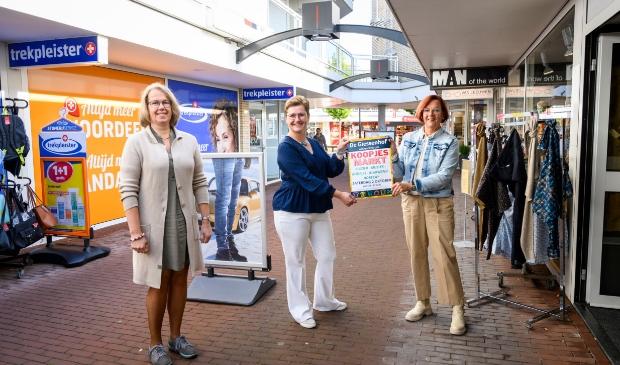 <p>De allereerste Koopjesmarkt van de ondernemers in winkelcentrum De Giessenhof in Hardinxveld-Giessendam vindt plaats op zaterdag 2 oktober van 10.00 tot 17.00 uur.</p>