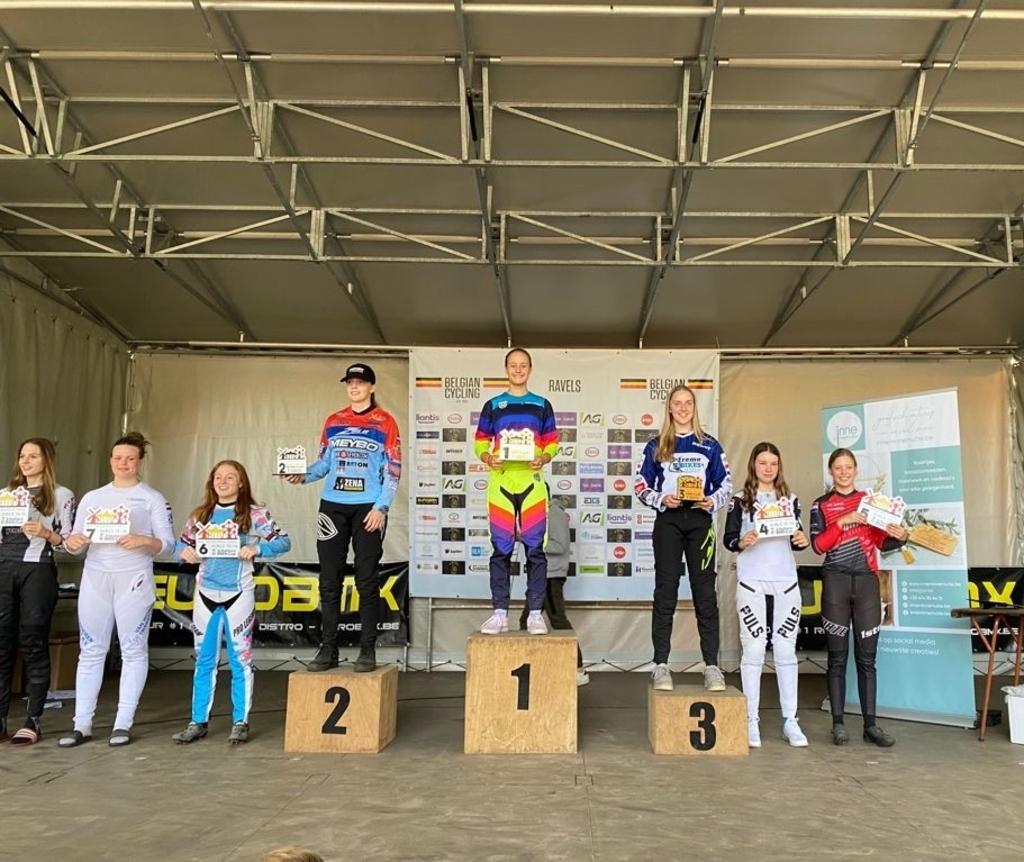 Zondag 3e podium - 3 Nations UCI MV © BDU Media