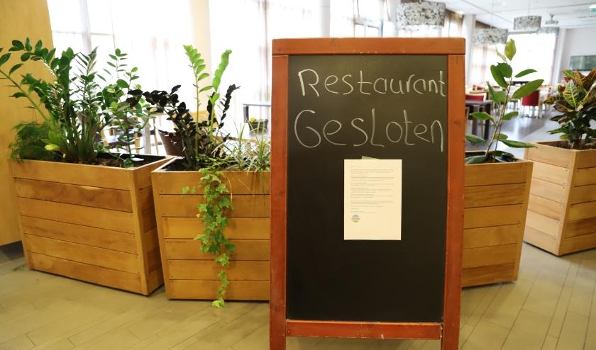 In het restaurant van zorgcentrum De Meander wordt niet meer samen gegeten.