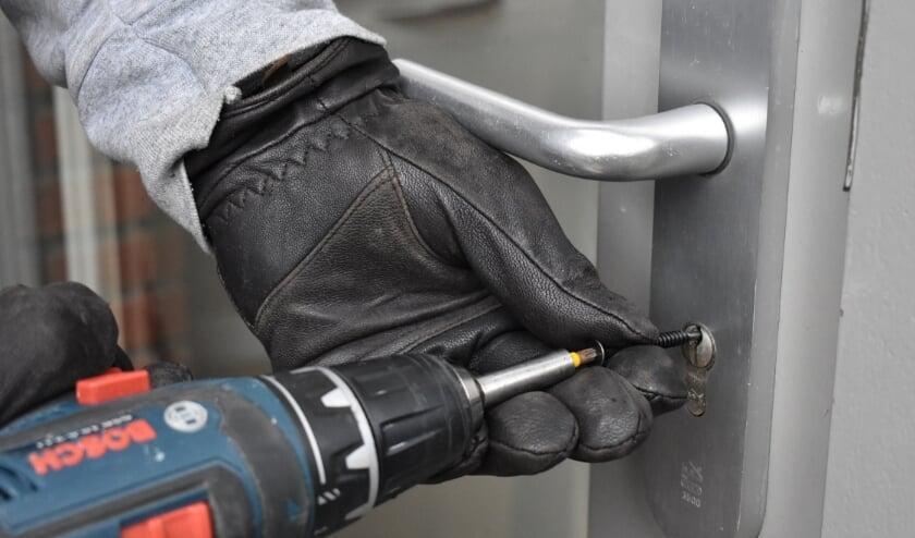 <p>Inbrekers gebruiken speciaal gereedschap om een cilinder snel uit het slot te verwijderen.</p>