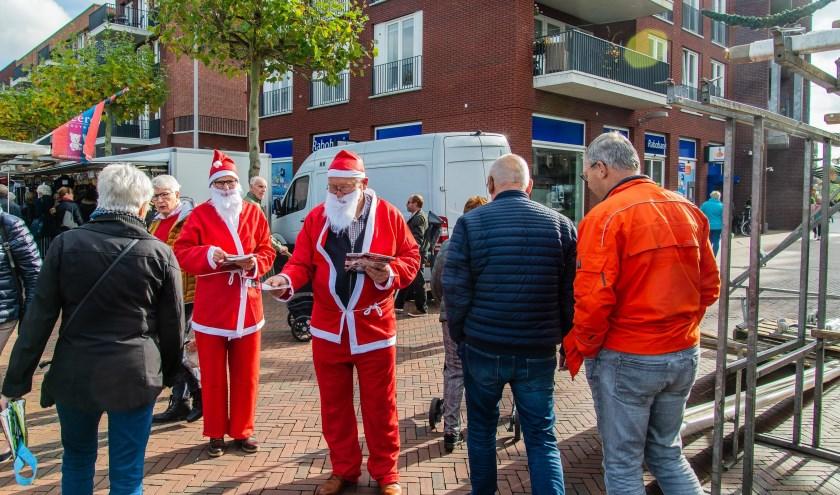 Service clubs hopen deelnemers enthousiast te maken voor de Santarun. (foto: W. Spijkervet)