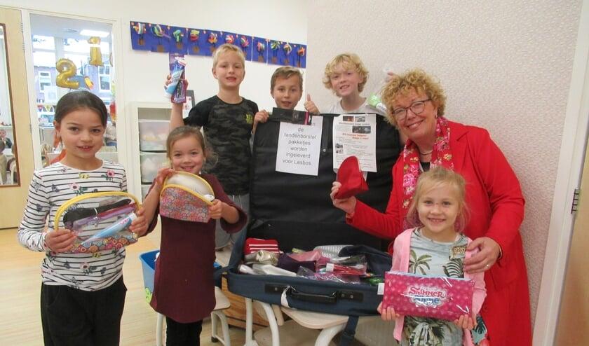 Leerlingen van de Theo Thijssenschool waren fanatiek met inzamelen. (foto:pr)