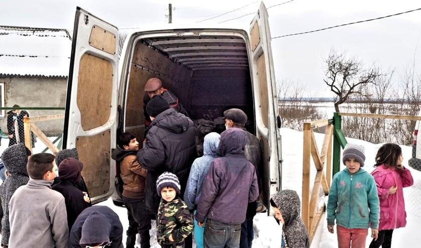 De spullen zijn bestemd voor extreem arme gezinnen in Oekraïne, met name in zigeunerkampen zoals in Barkaszó, en voor ouderen.