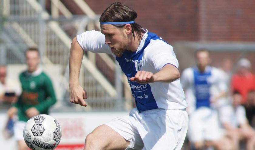 Laurens Sluiter tekende voor de 1-1. (foto: archief HvH)