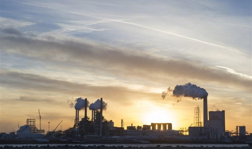 De industrie is volgens het RIVM verantwoordelijk voor 2 procent van de stikstofneerslag.