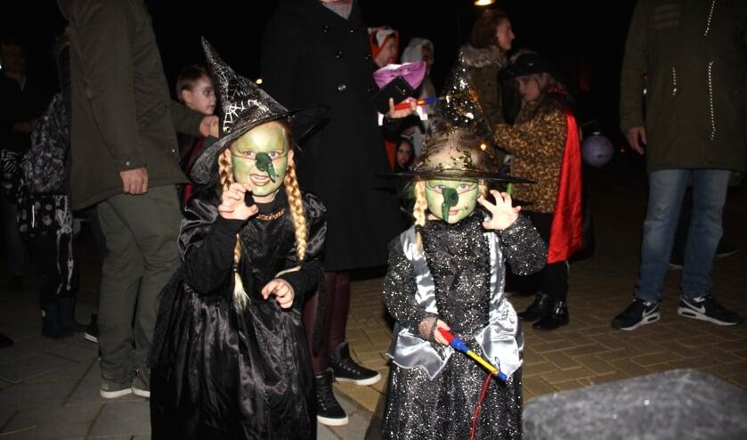 Een gezellig familiefeest was het, voor kinderen, vaders, moeders, opa's en oma's. (foto en tekst: Erik van Leeuwen)
