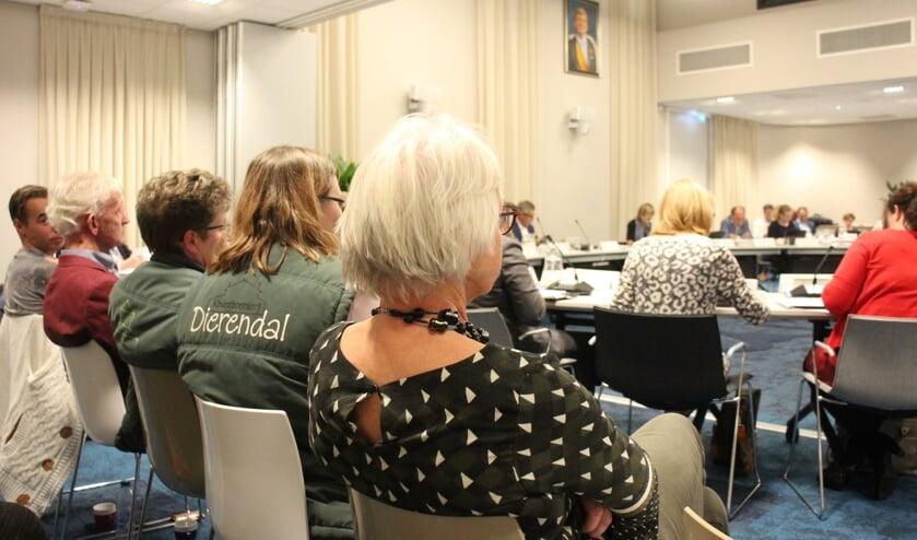 In de raadzaal waren diverse medewerkers van Dierendal aanwezig bij de begrotingsbehandeling.