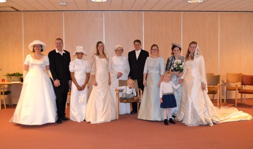 De modellen van de bruidsshow kregen de handen van de bewoners van Beth San op elkaar. (foto: pr)