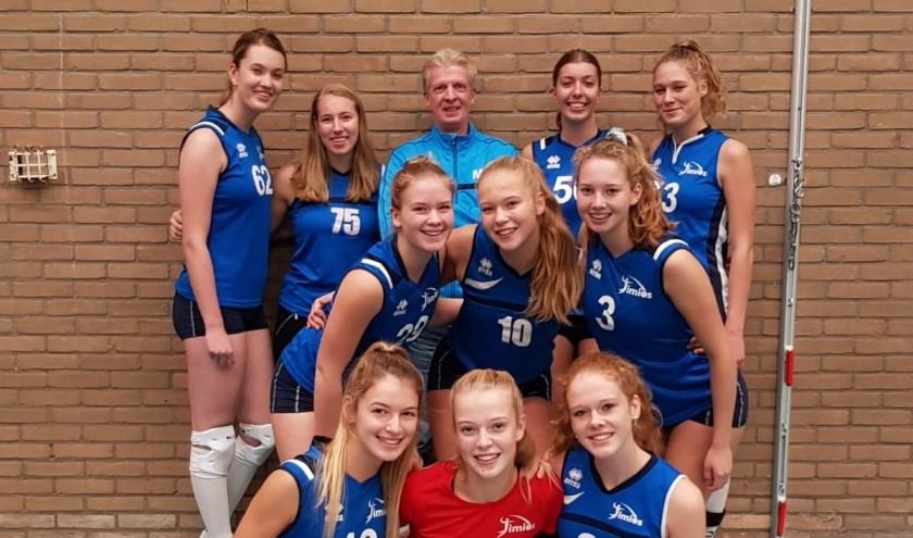 Het team van Timios, waar de jongste speler nét veertien is geworden. (foto: pr; tekst Erik van Leeuwen)