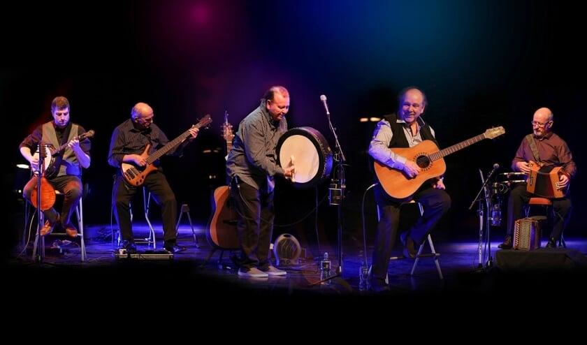 Vooral de emotionele 'love & sad songs' van The Fureys spreken het publiek aan, meent het management van de Ieren.