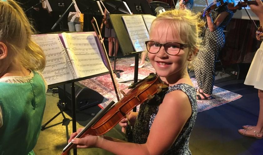 Bij Stichting Vonk wordt muziek- en cultuuronderwijs gegeven. (Archieffoto aangeleverd door Vonk)