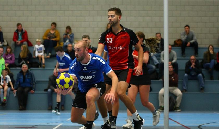 Dani Hoogendoorn speelde in de tweede helft ijzersterk tegen Jim Snel. (foto: Matthijs de Jong)
